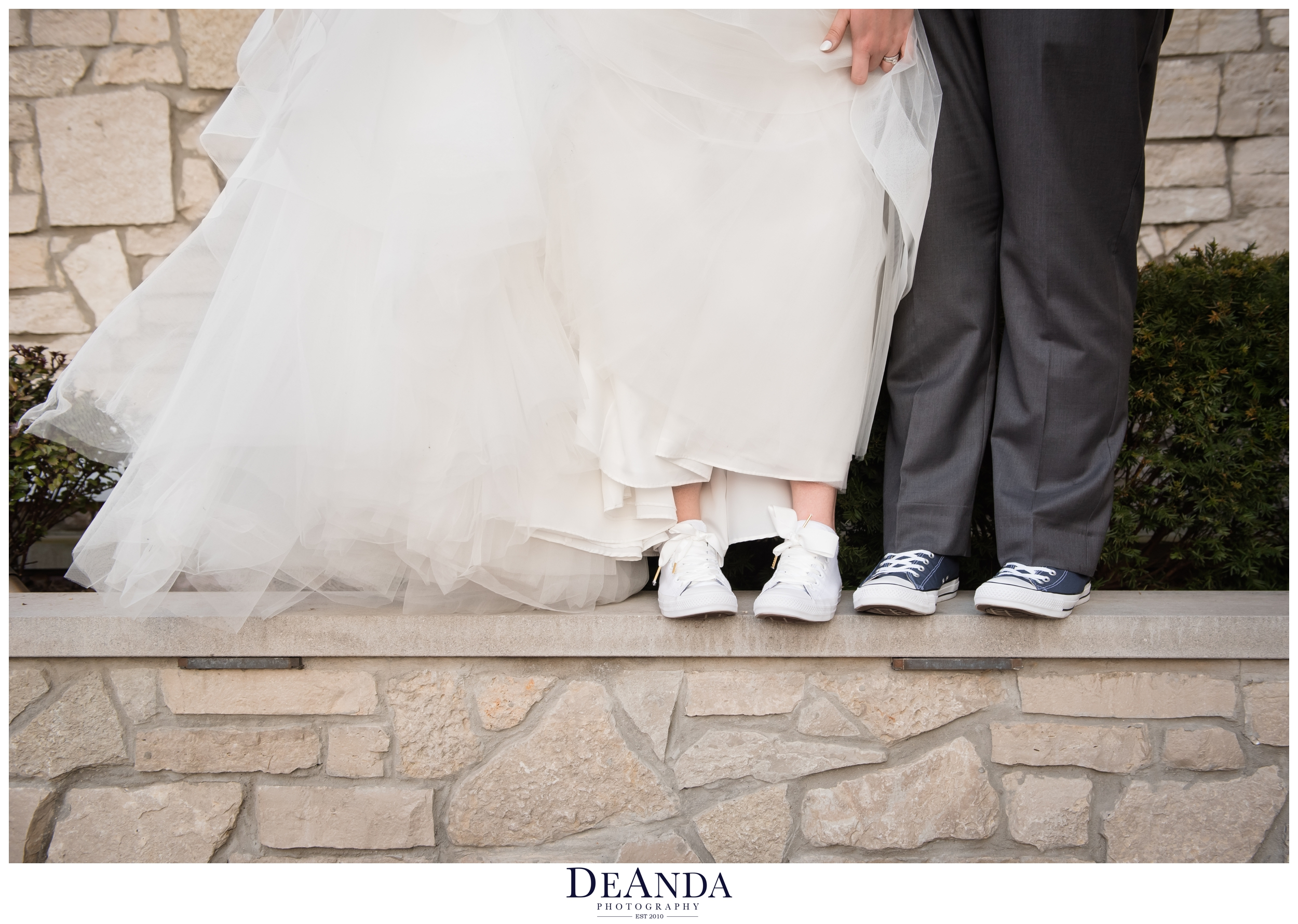 wedding couple with converse shoes