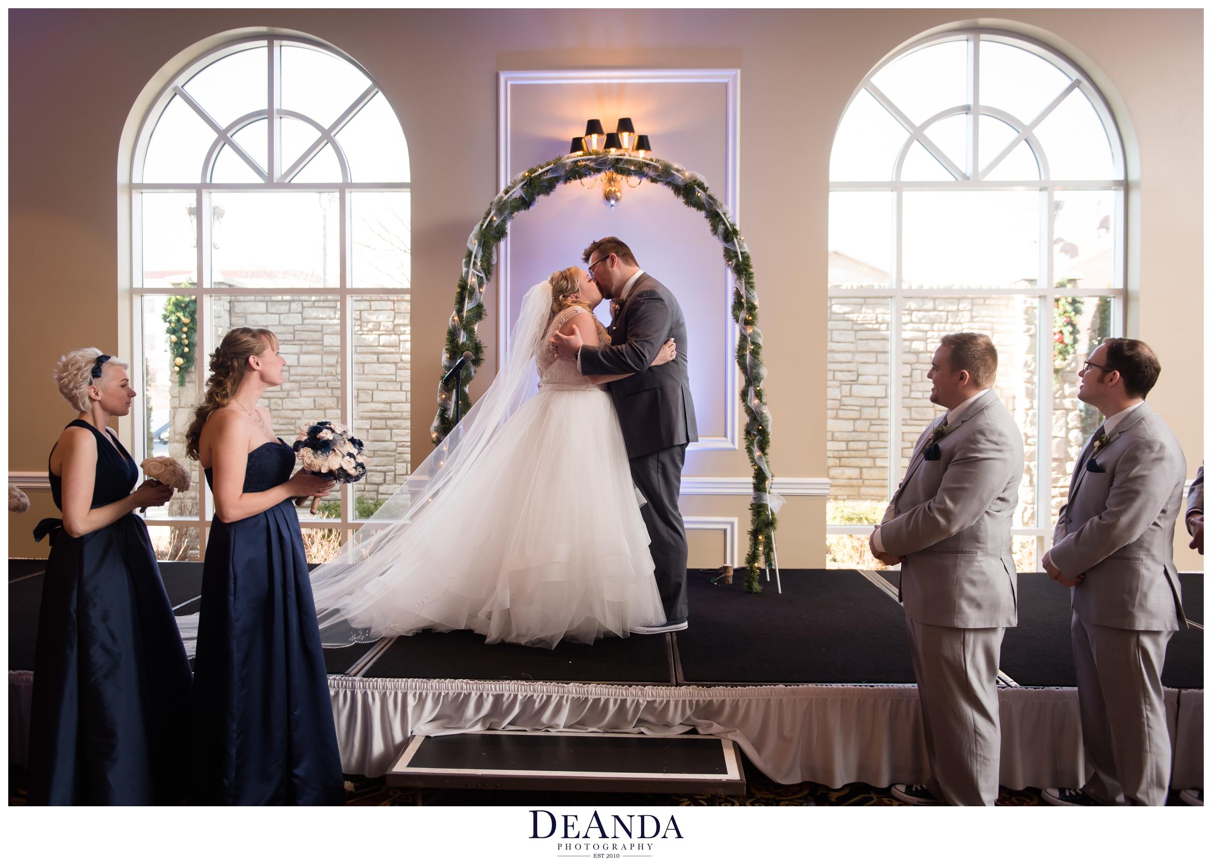 wedding ceremony at tuscany falls