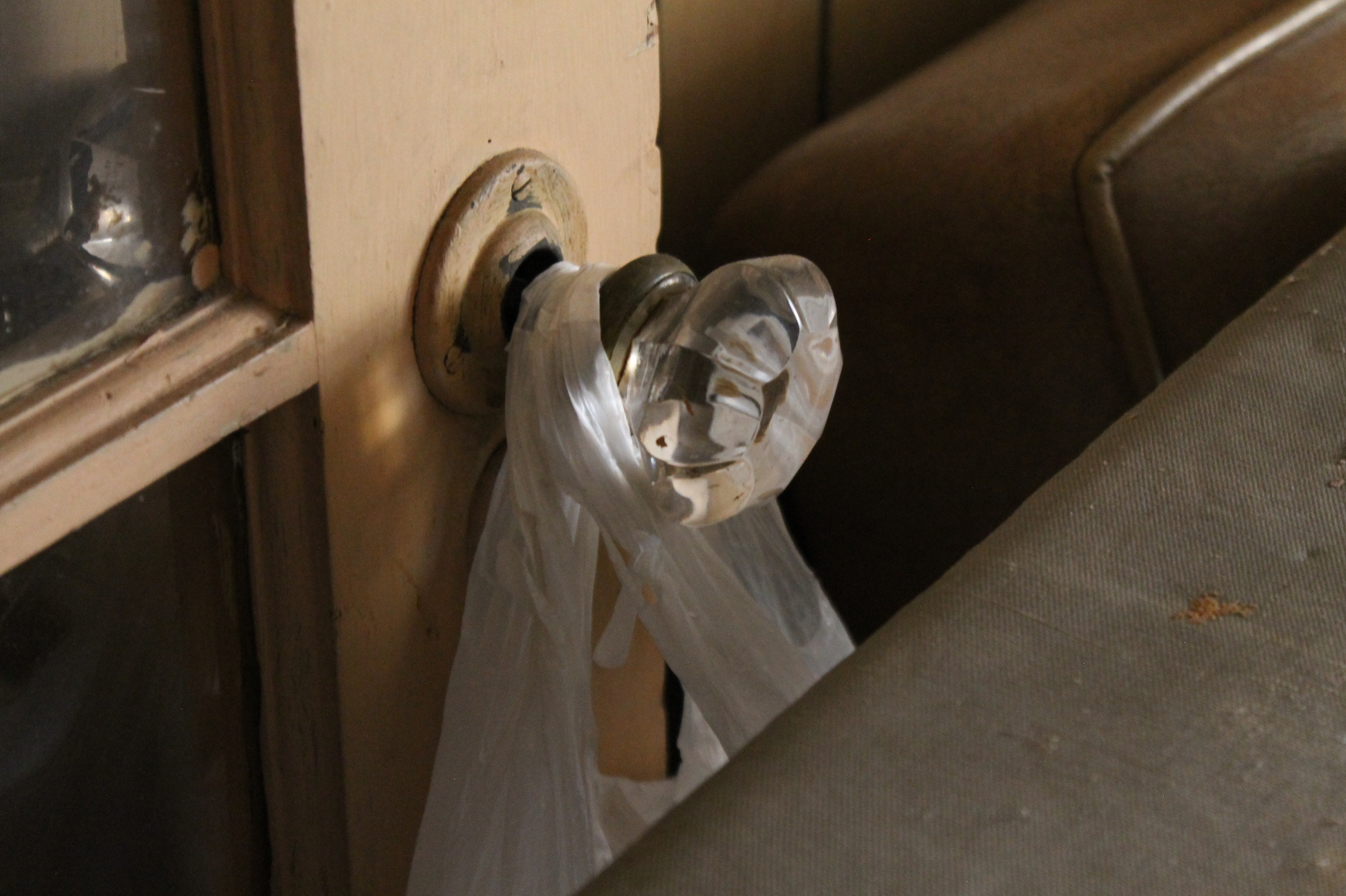 EB Loves Old Houses | Vintage Glass Door Knobs