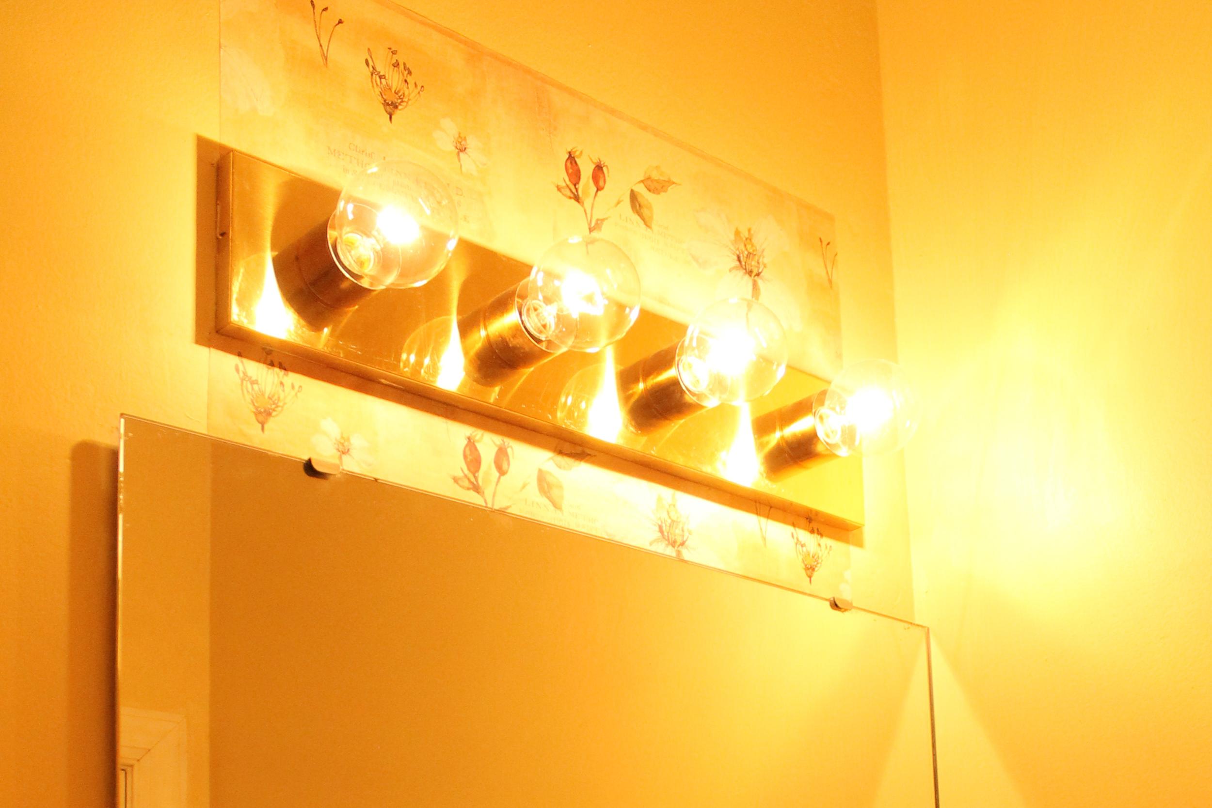 Elizabeth Burns Desgin | Budget Friendly Powder Room Makeover for $200