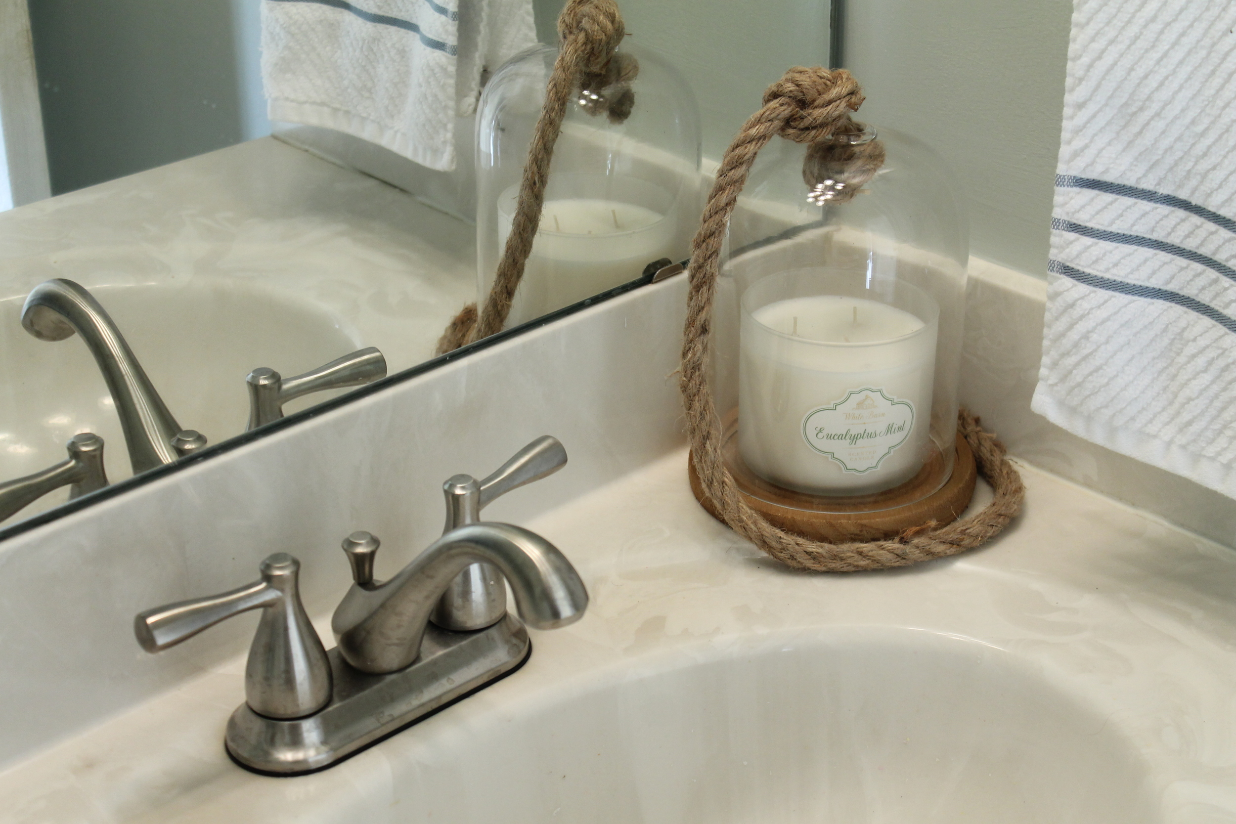 Elizabeth Burns Design | Budget Friendly Powder Room Makeover for Around $200