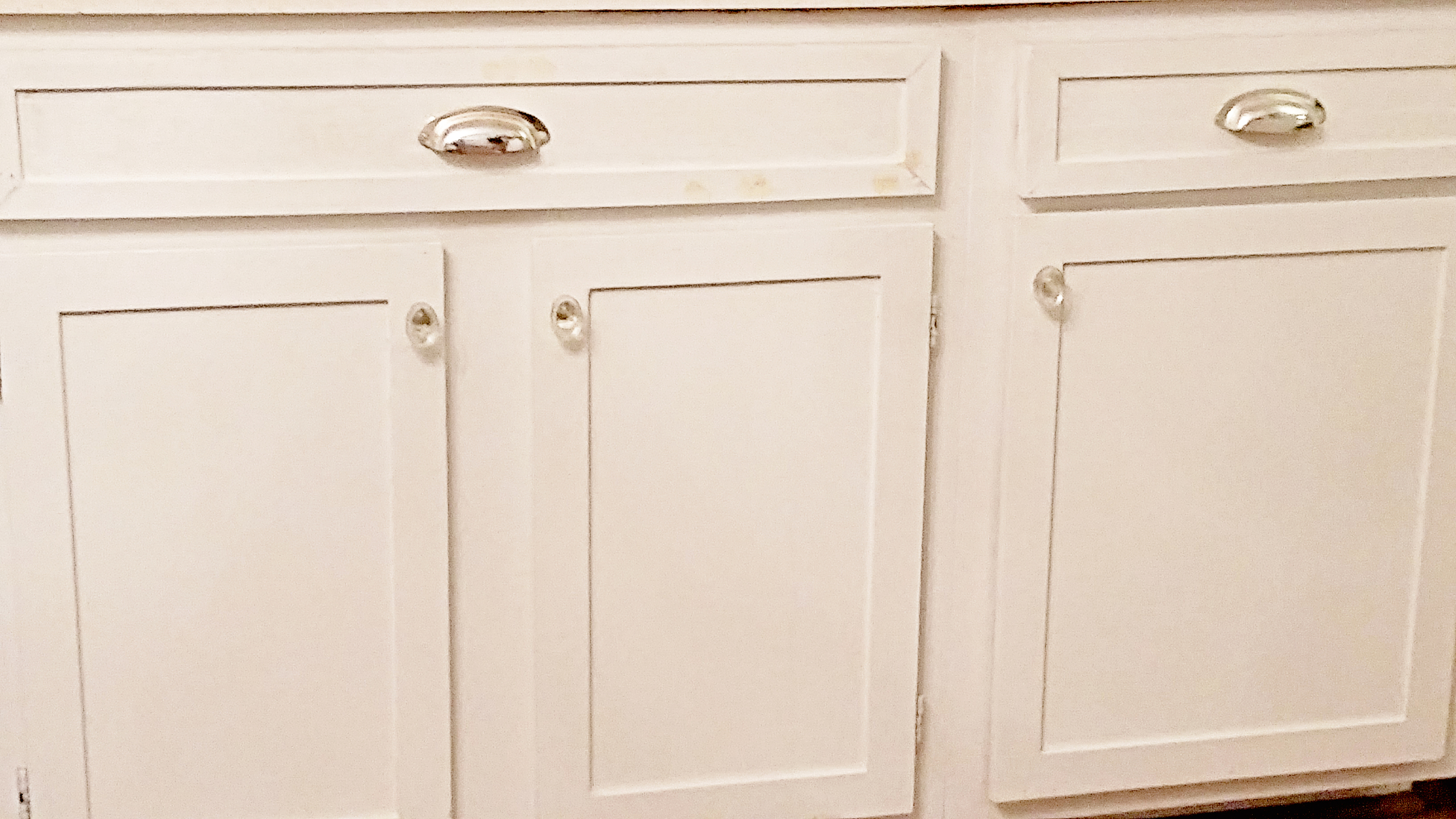 Elizabeth Burns Design | DIY Shaker trim, update flat panel cabinets, 50s cabinet makeover, before and after kitchen