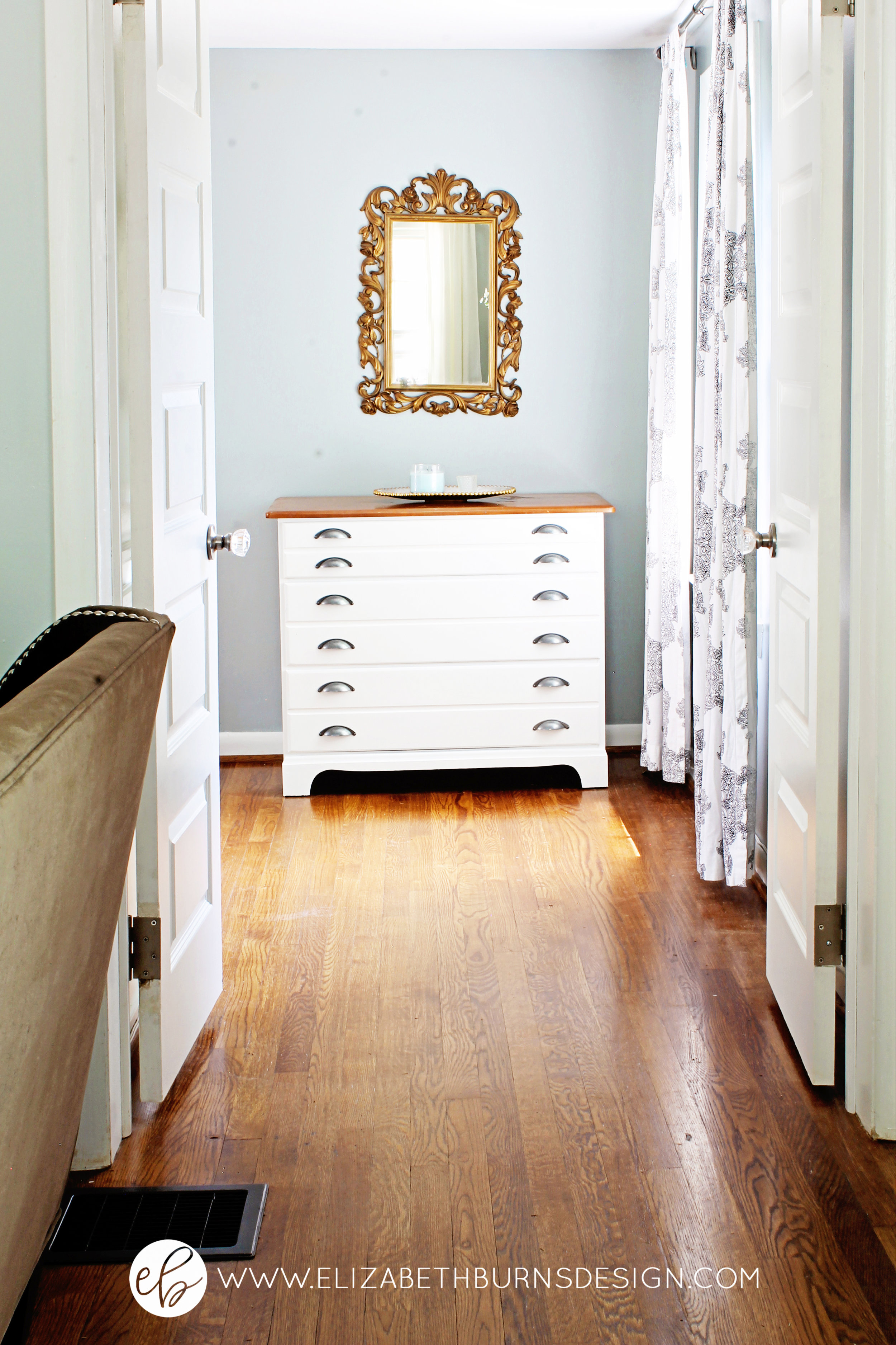 Elizabeth Burns Design | SW Magnetic Gray Sherwin Williams, Raleigh Interior Design, Small House Decorating, Staging, DIY, Design on a Budget, Tiny House, Fixer Upper Style, Farmhouse Look