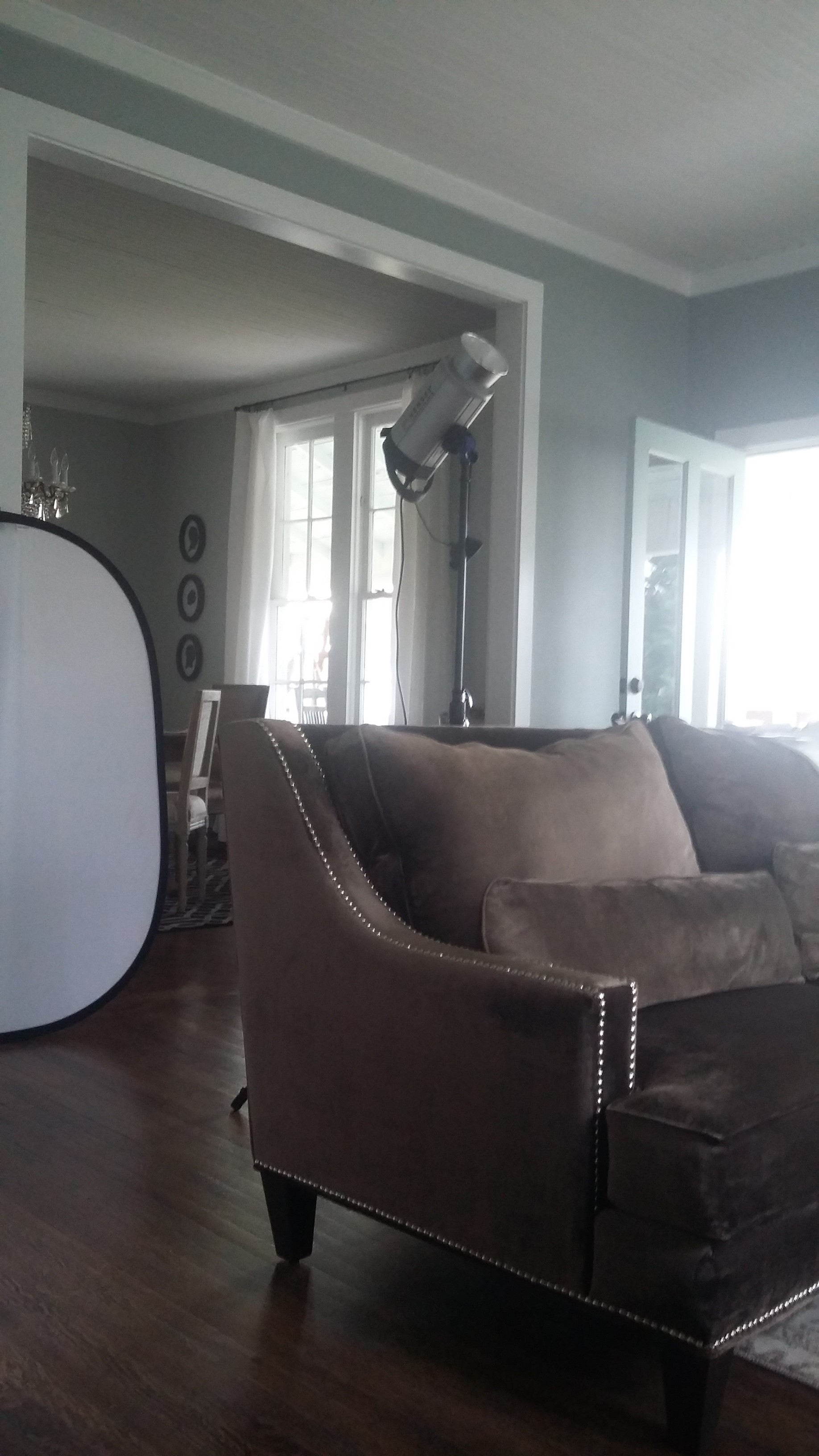 Behind the scenes of a home decor magazine photo shoot 3