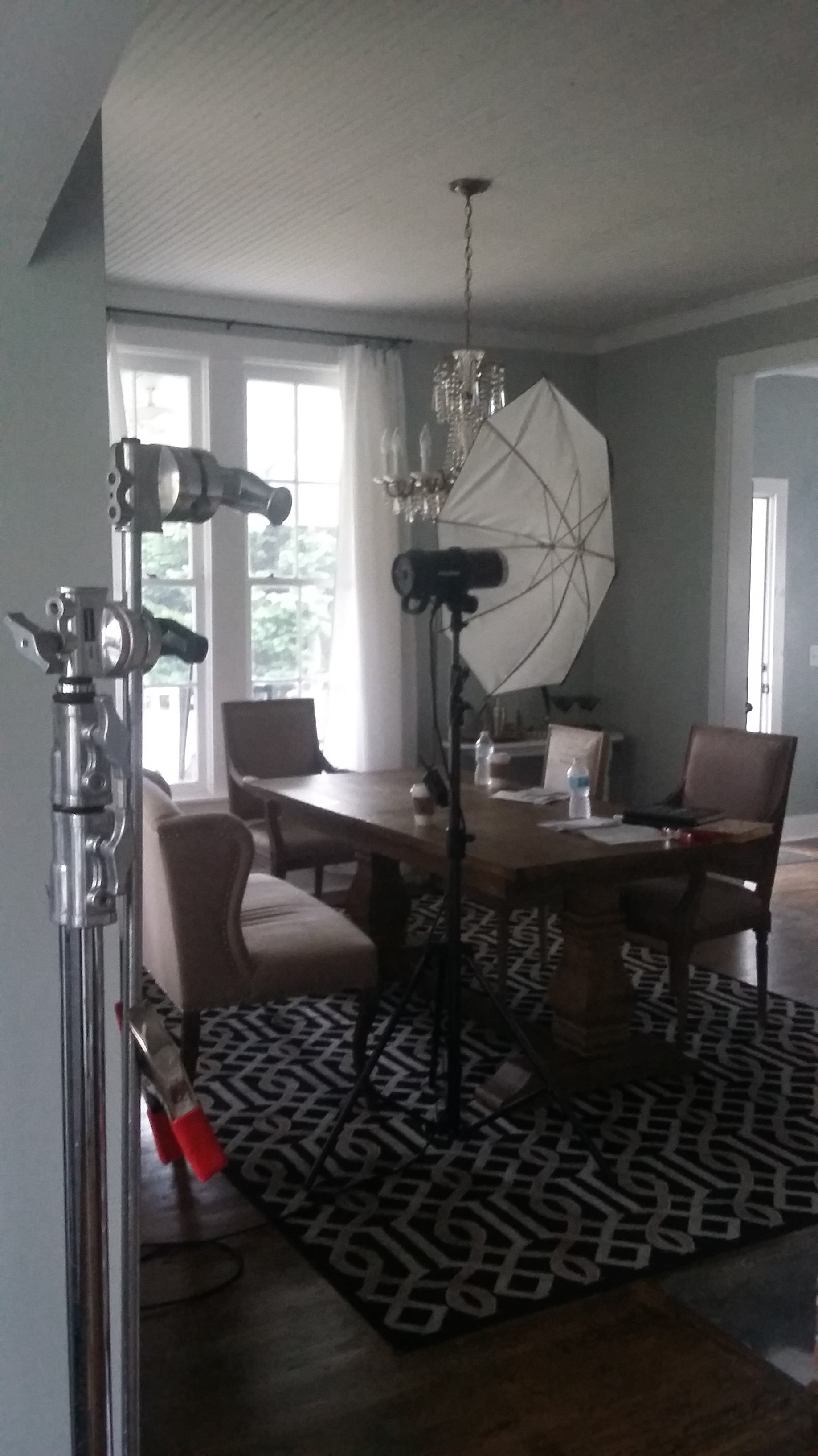 Behind the scenes of a home decor magazine photo shoot 8