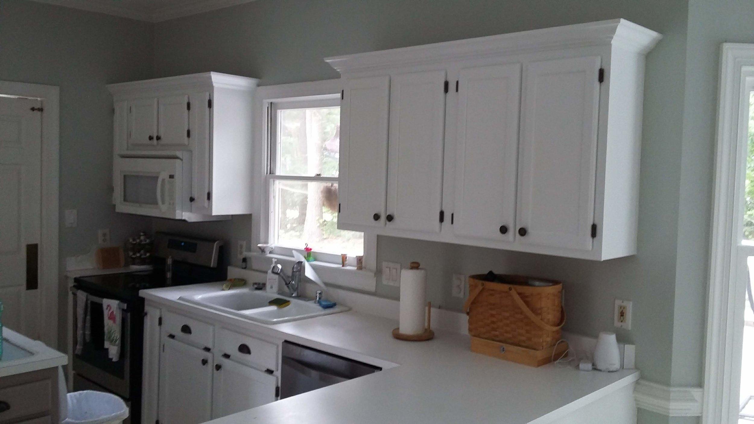 Elizabeth Burns Design | Raleigh Interior Designer - builder grade oak cabinets budget kitchen renovation, painting oak cabinets after