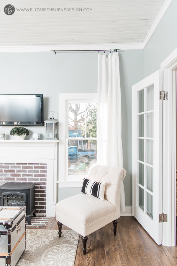 Elizabeth Burns Design | Whole House Paint Color Scheme - Sherwin Williams Magnetic Gray in Living Room with White and Cream Accents