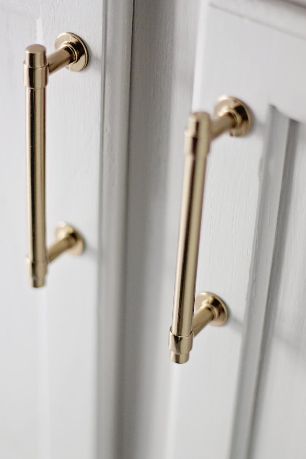 Elizabeth Burns Design - Budget Bathroom Makeover Magnetic Gray Floorpops Peel and Stick Tile (51).JPG