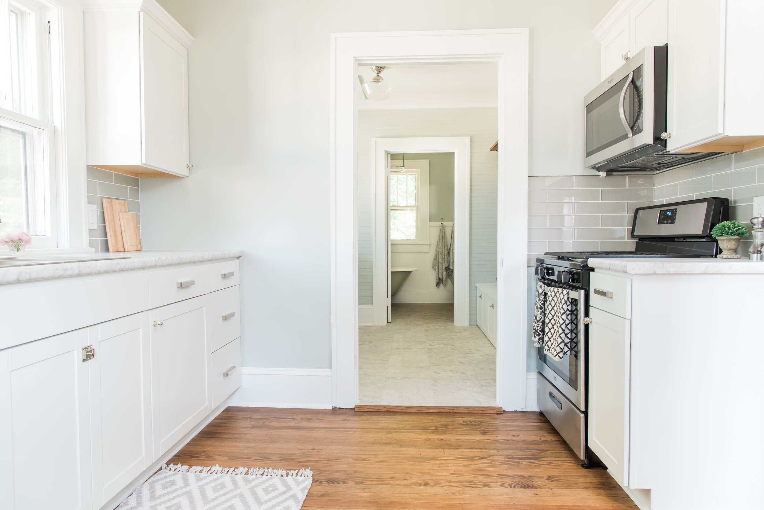 Lowe's Stock Cabinets Review   Diamond Now Arcadia White ...