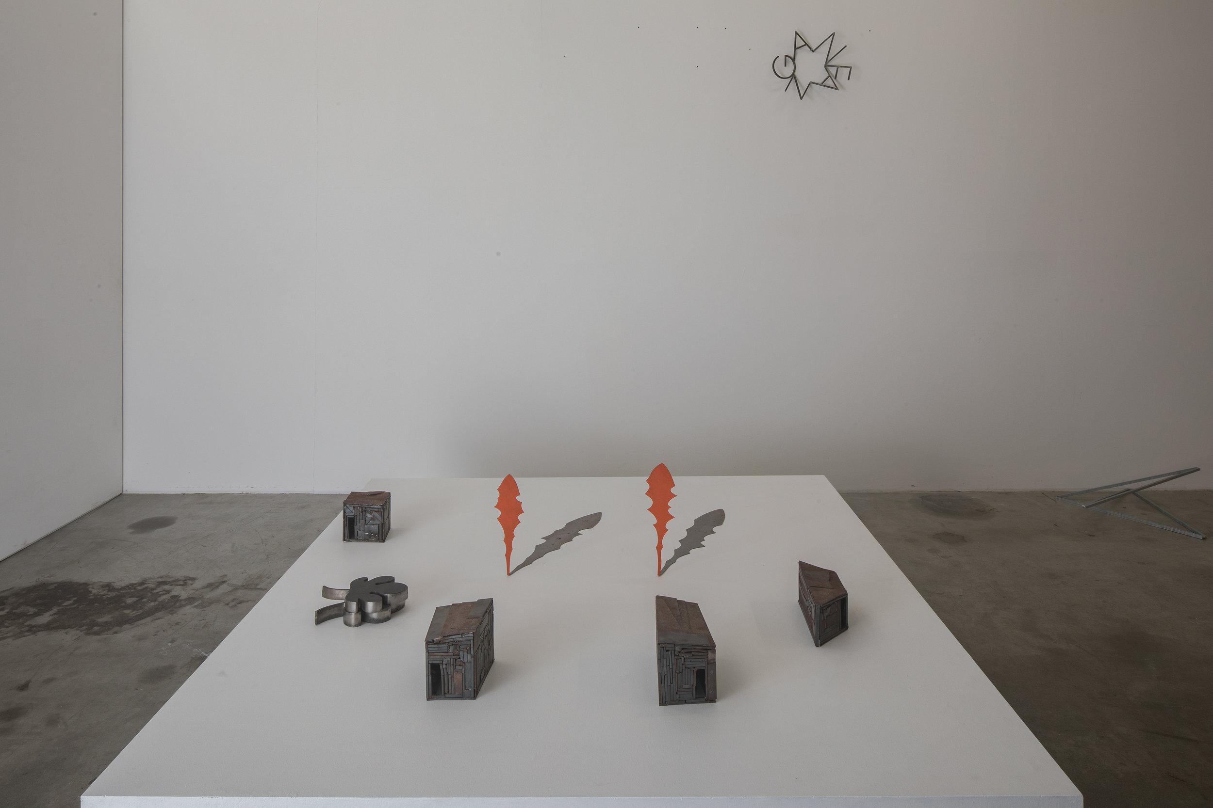 Michele Bernardi Hütten, Schatten, spazio coniugale, Anfang