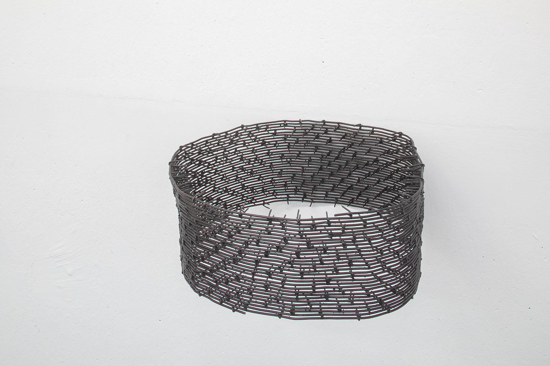 Arnold Holzknecht, Einsicht vier, 2017, iron wire, nails, 16 x 40 x 2 cm