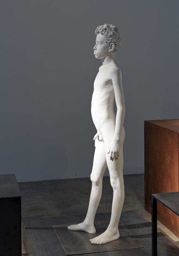 Aron Demetz, Ray, 2018, plaster, iron, 140 x 90 x 90 cm