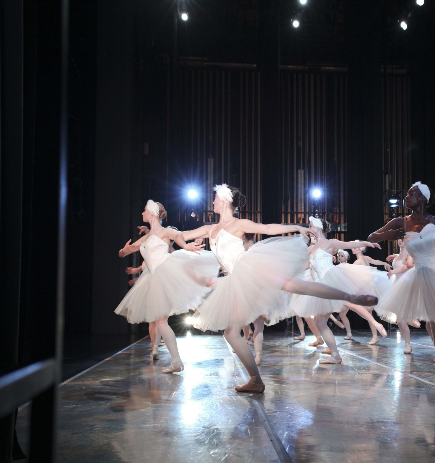emma burton - Swanlake © The George Balanchine Trust