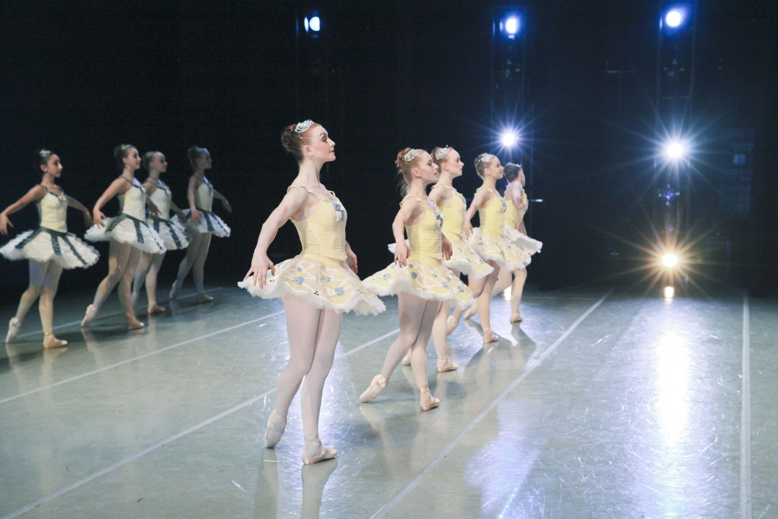 ballet chicago divertimento no 15 shea smith
