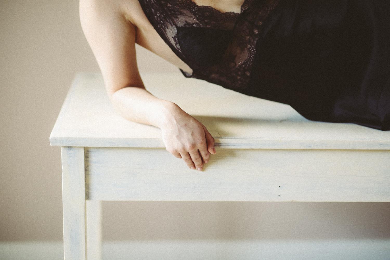 april_boudoir-16.jpg