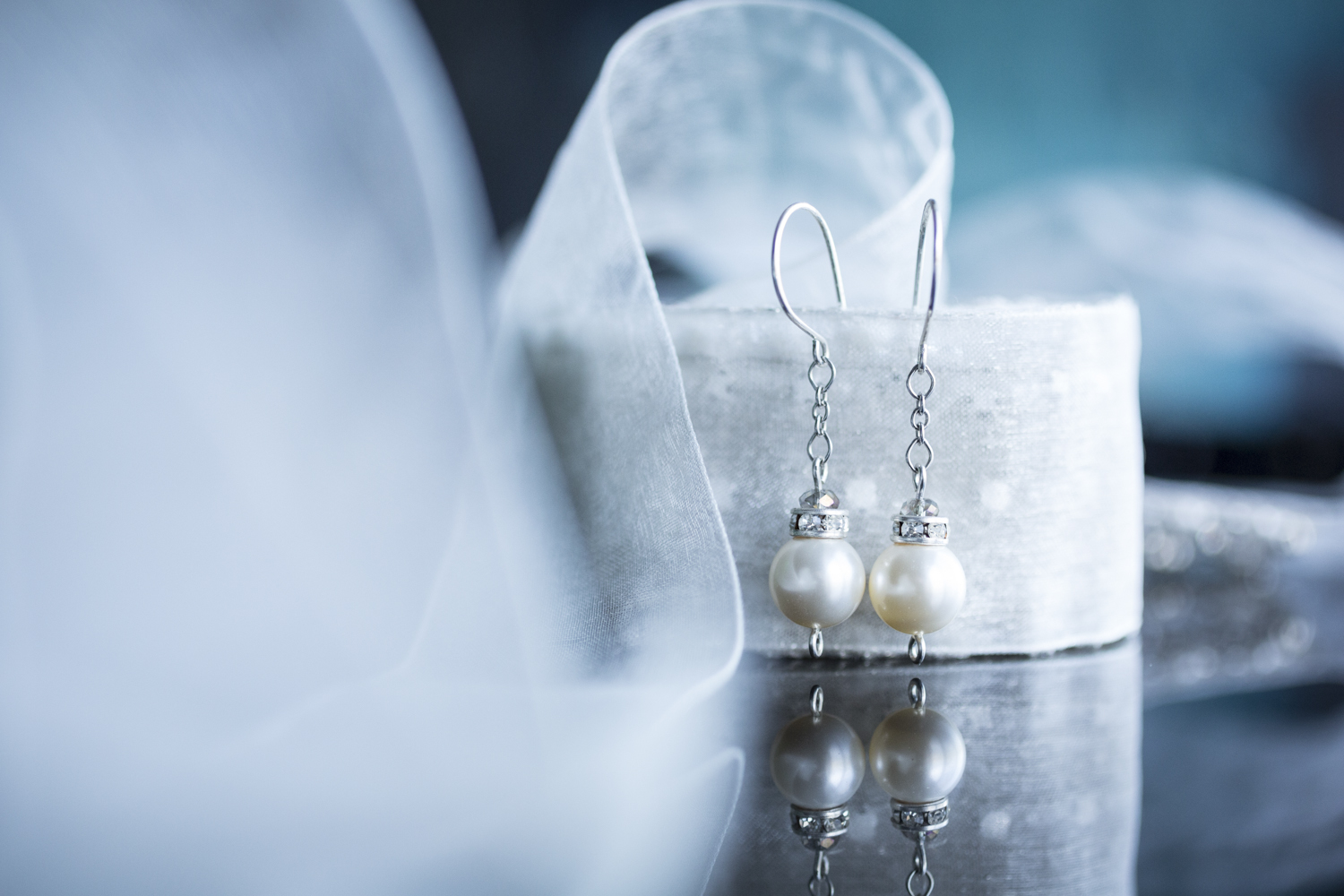blue details pearl earrings wedding photography in michigan