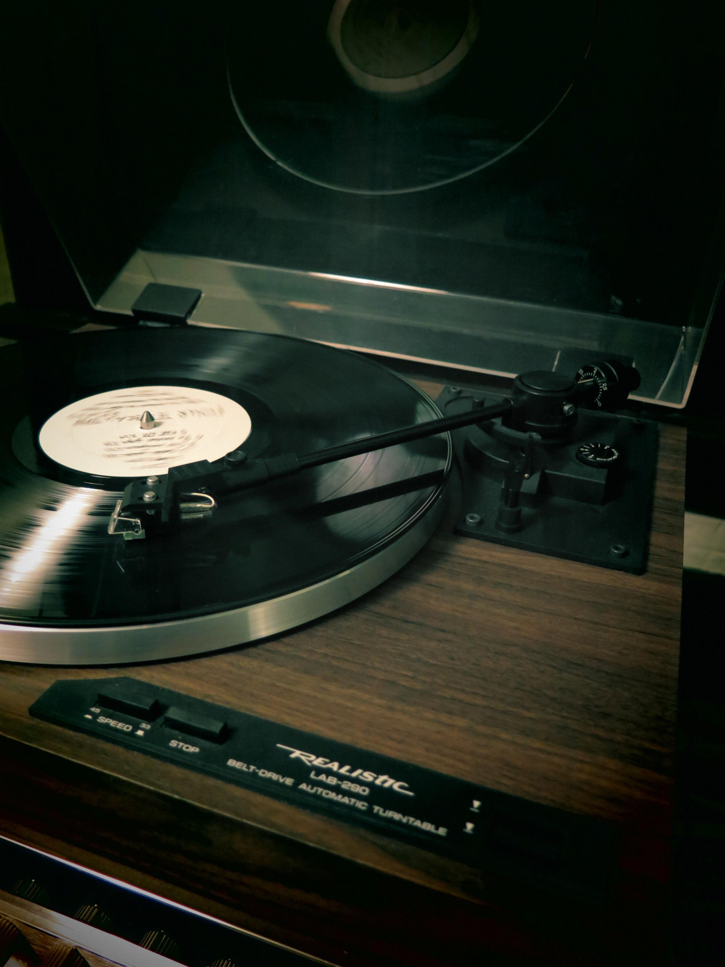 1:9:14 recordplayer.JPG