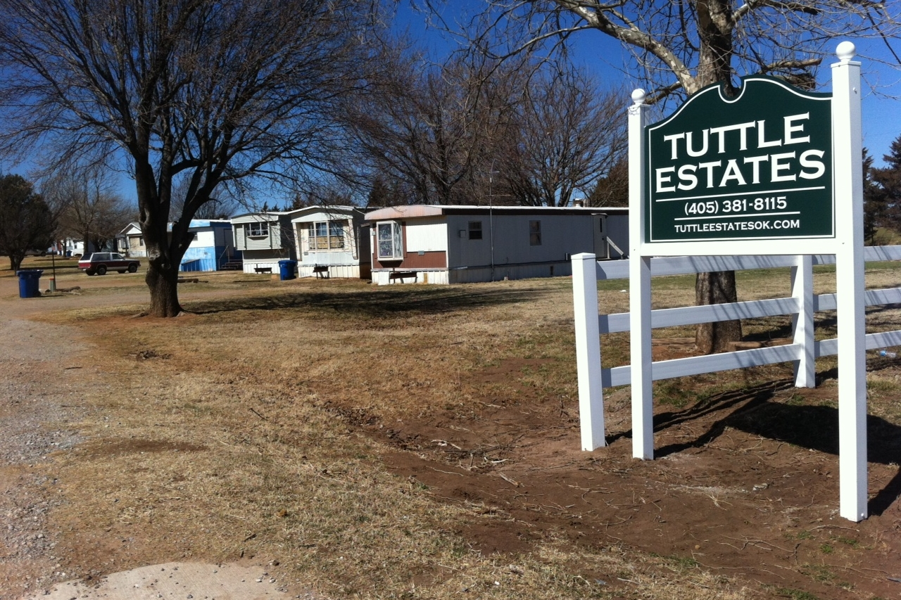 Buy Here, Pay Here  |  Bad Credit OK  |  Excellent Tuttle schools!  |  1.3 miles south of Tuttle High School
