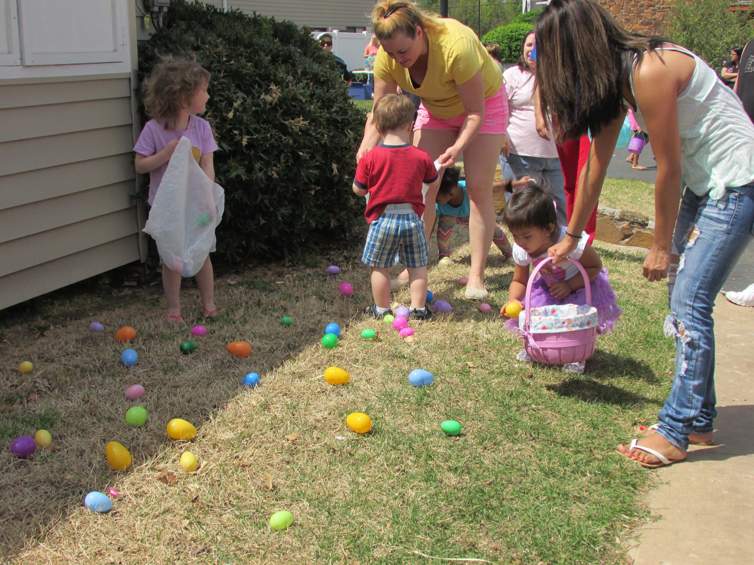 ISA 2014 Easter Egg Hunt_033.JPG