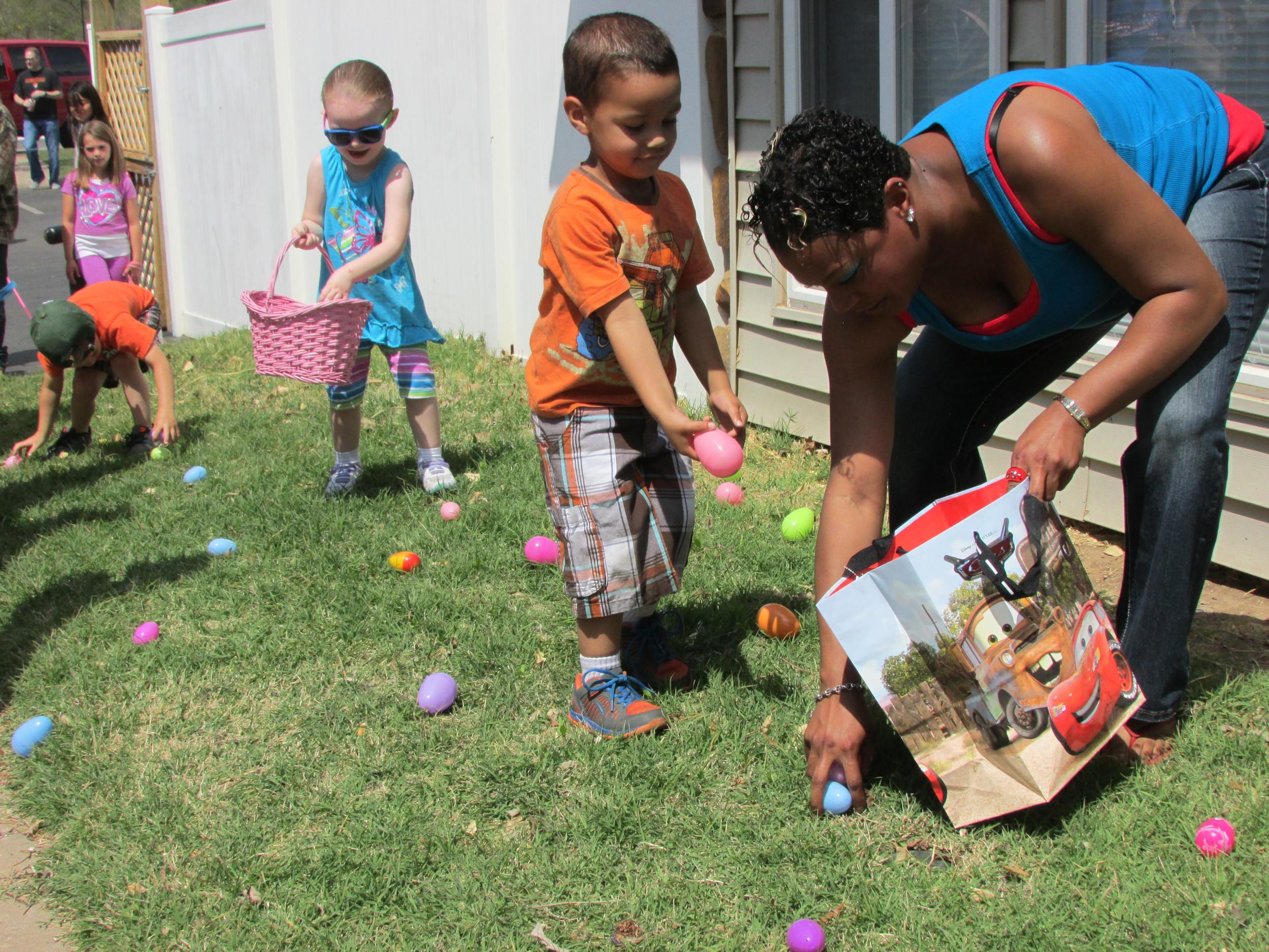 ISA 2014 Easter Egg Hunt_034.JPG