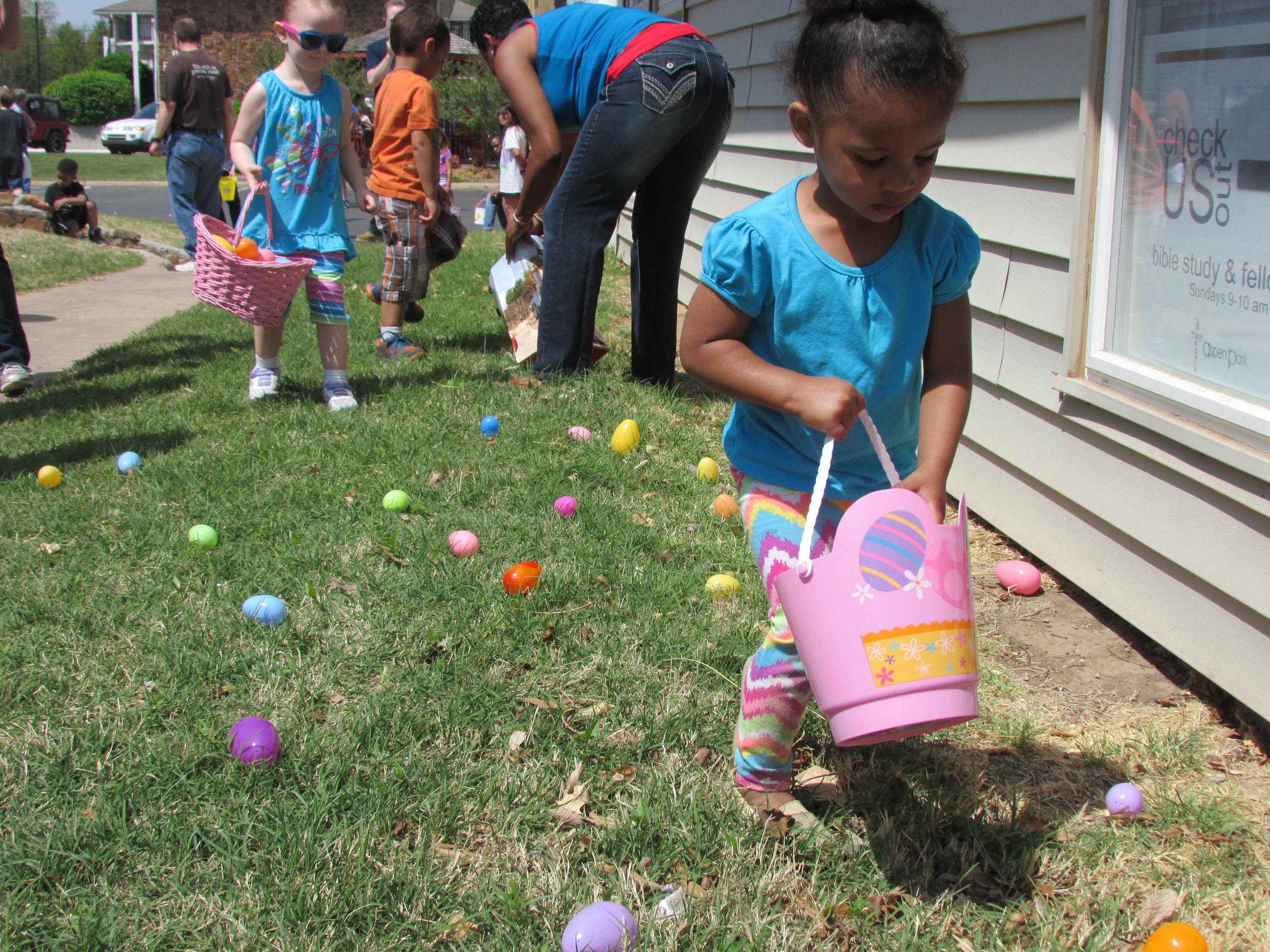 ISA 2014 Easter Egg Hunt_039.JPG