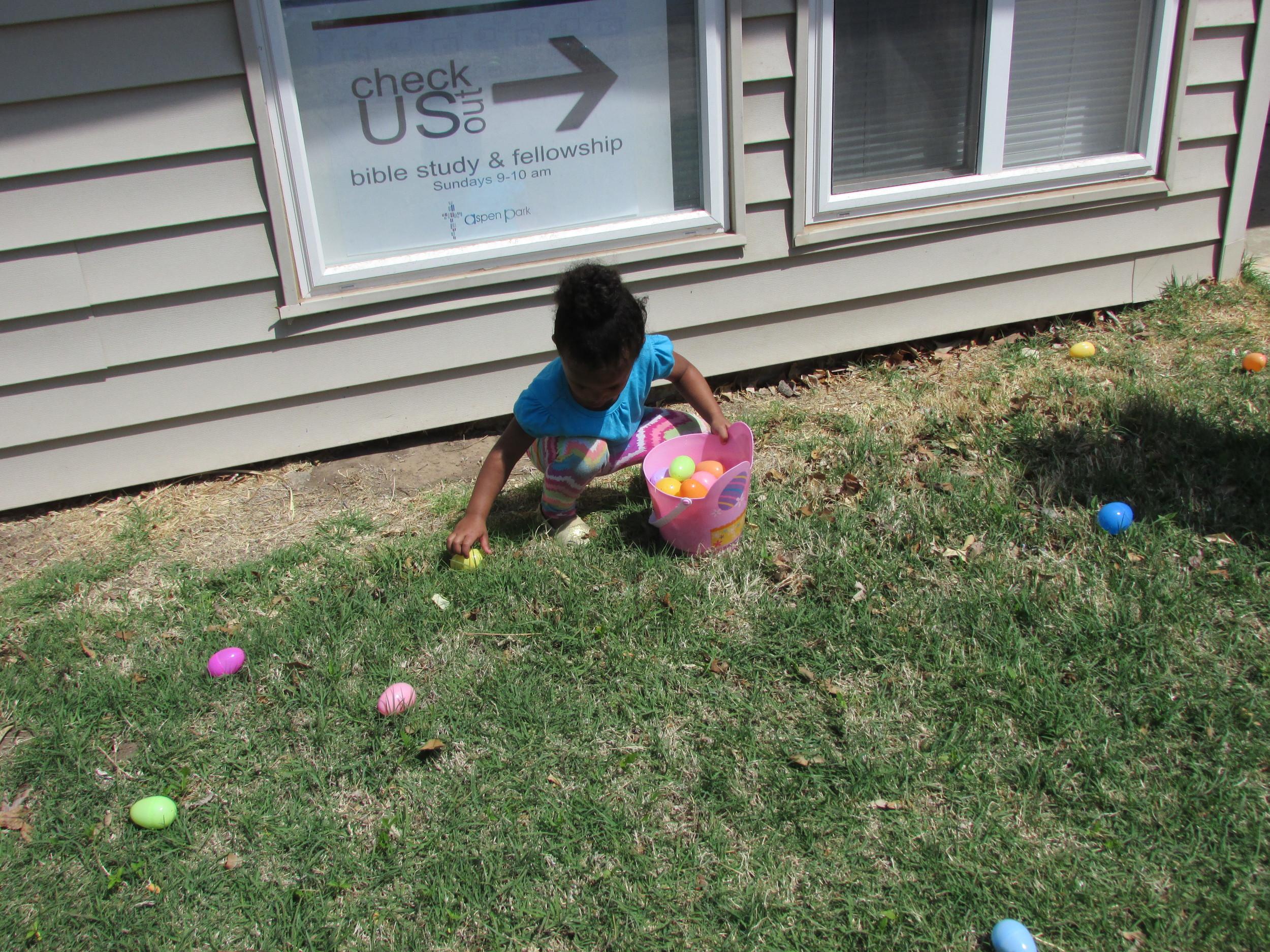 ISA 2014 Easter Egg Hunt_053.JPG
