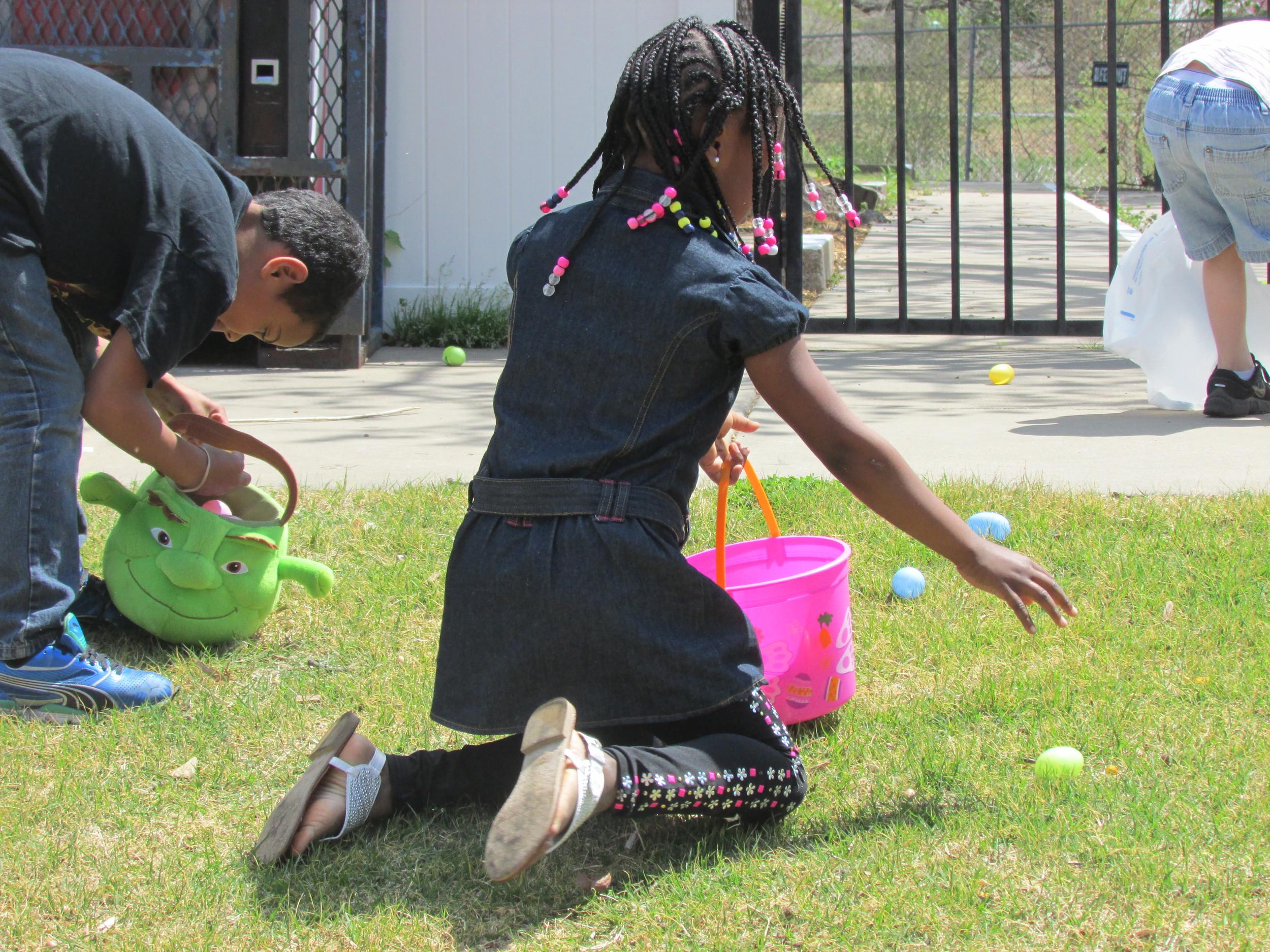 ISA 2014 Easter Egg Hunt_082.JPG