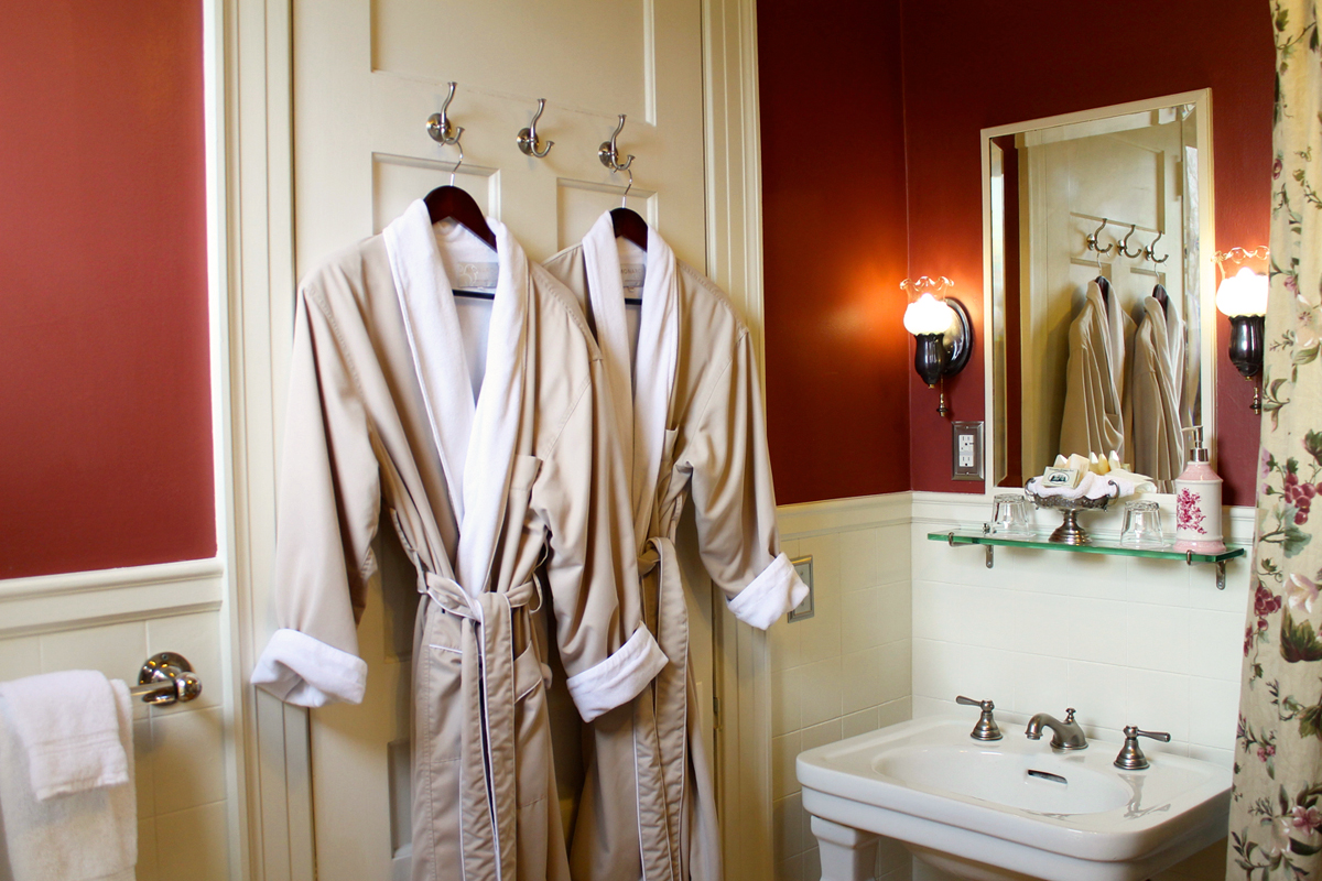 Victorian Cabernet, Rm 2 Bathroom at the Willard Street Inn