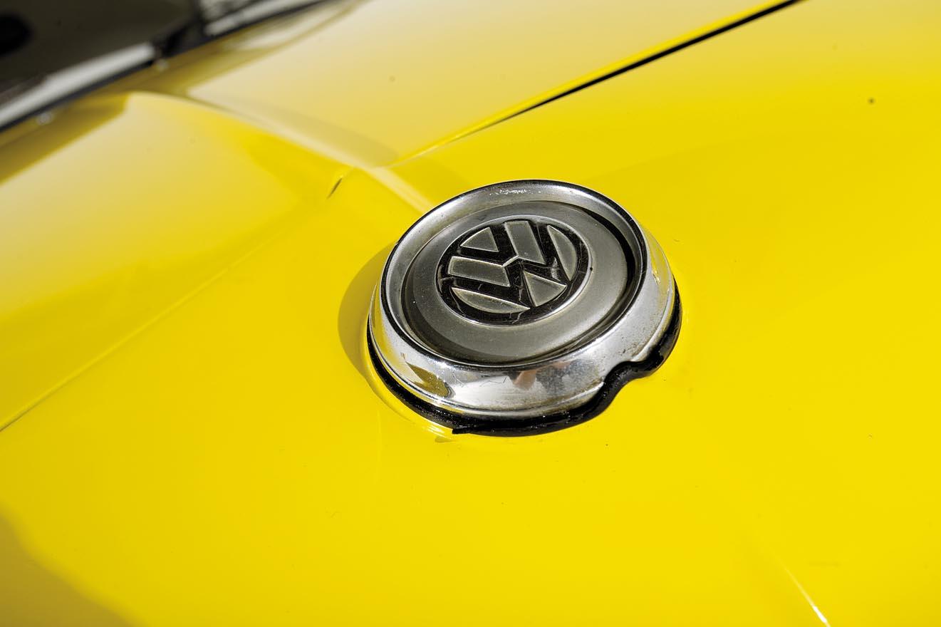 1957-VW-Karmann-Ghia-Corvair-Top-Ghia-222-04.jpg