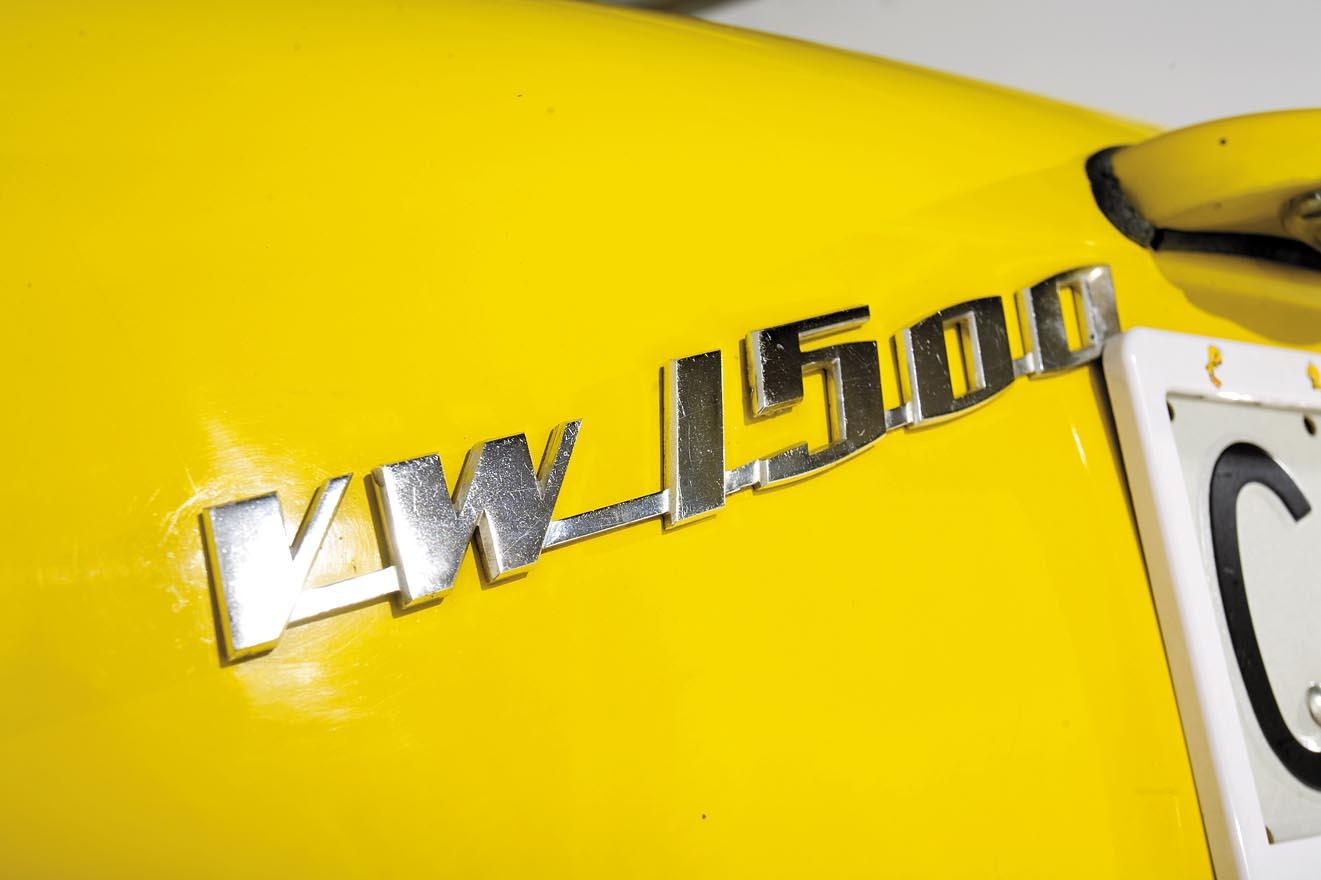 1957-VW-Karmann-Ghia-Corvair-Top-Ghia-222-10.jpg