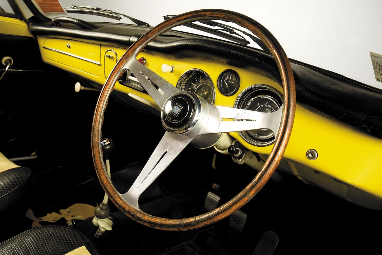 1957-VW-Karmann-Ghia-Corvair-Top-Ghia-222-14.jpg
