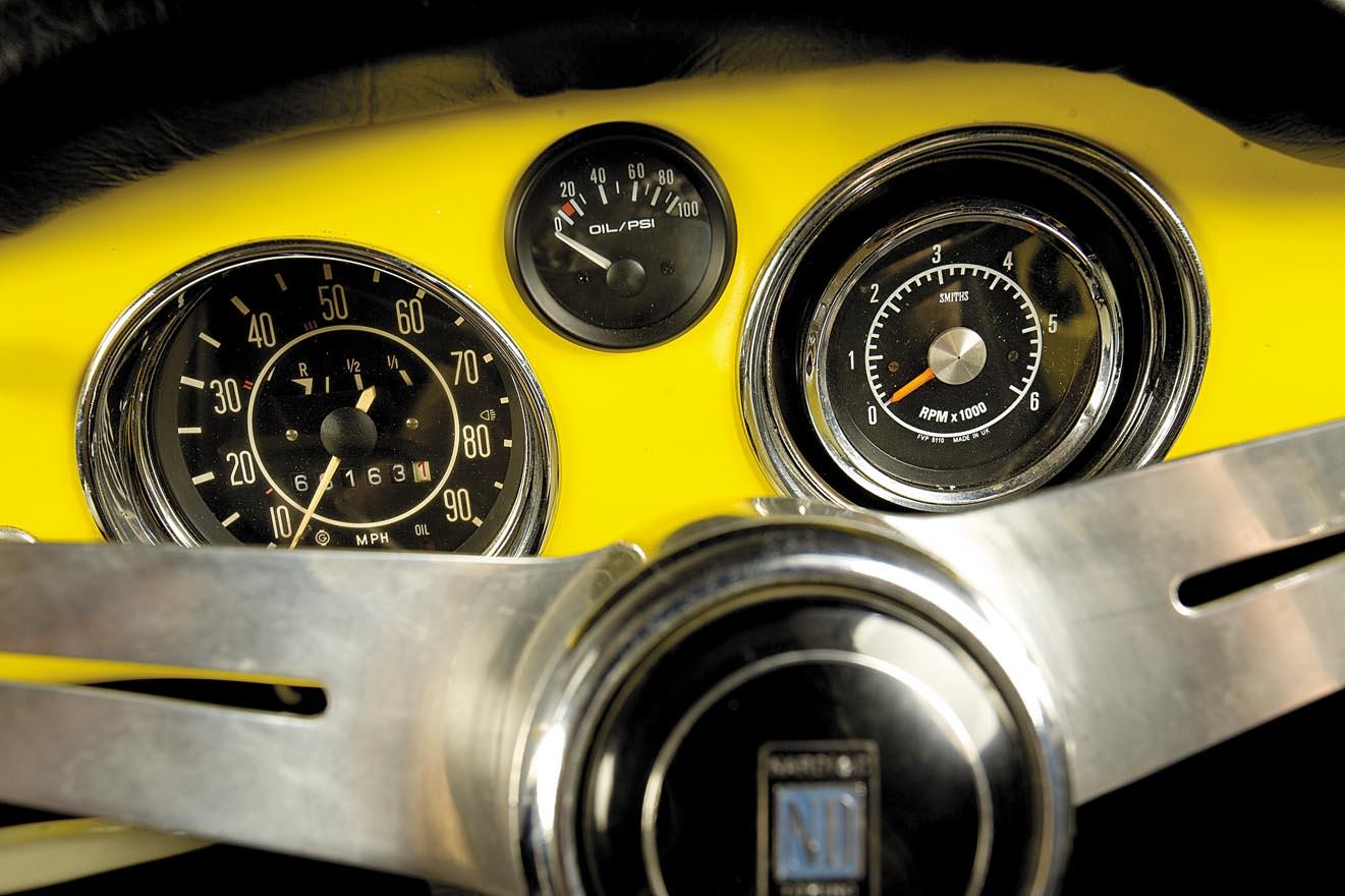 1957-VW-Karmann-Ghia-Corvair-Top-Ghia-222-15.jpg