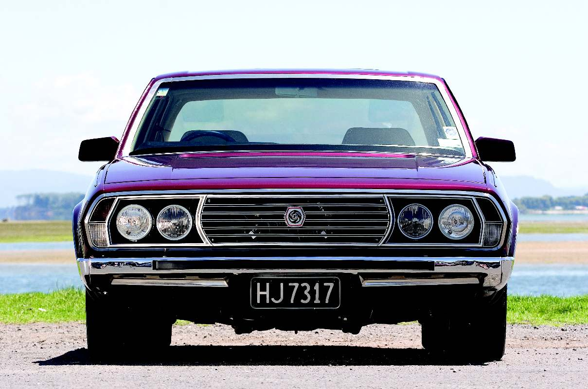 Leyland-P76-f.jpg