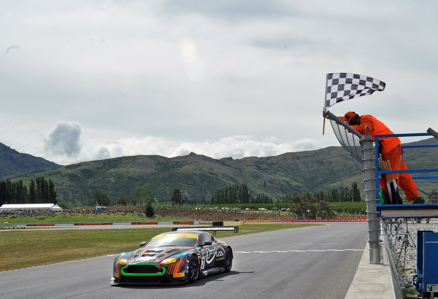 Tony Quinn and Fabian Coulthard winning a previous Highlands 101