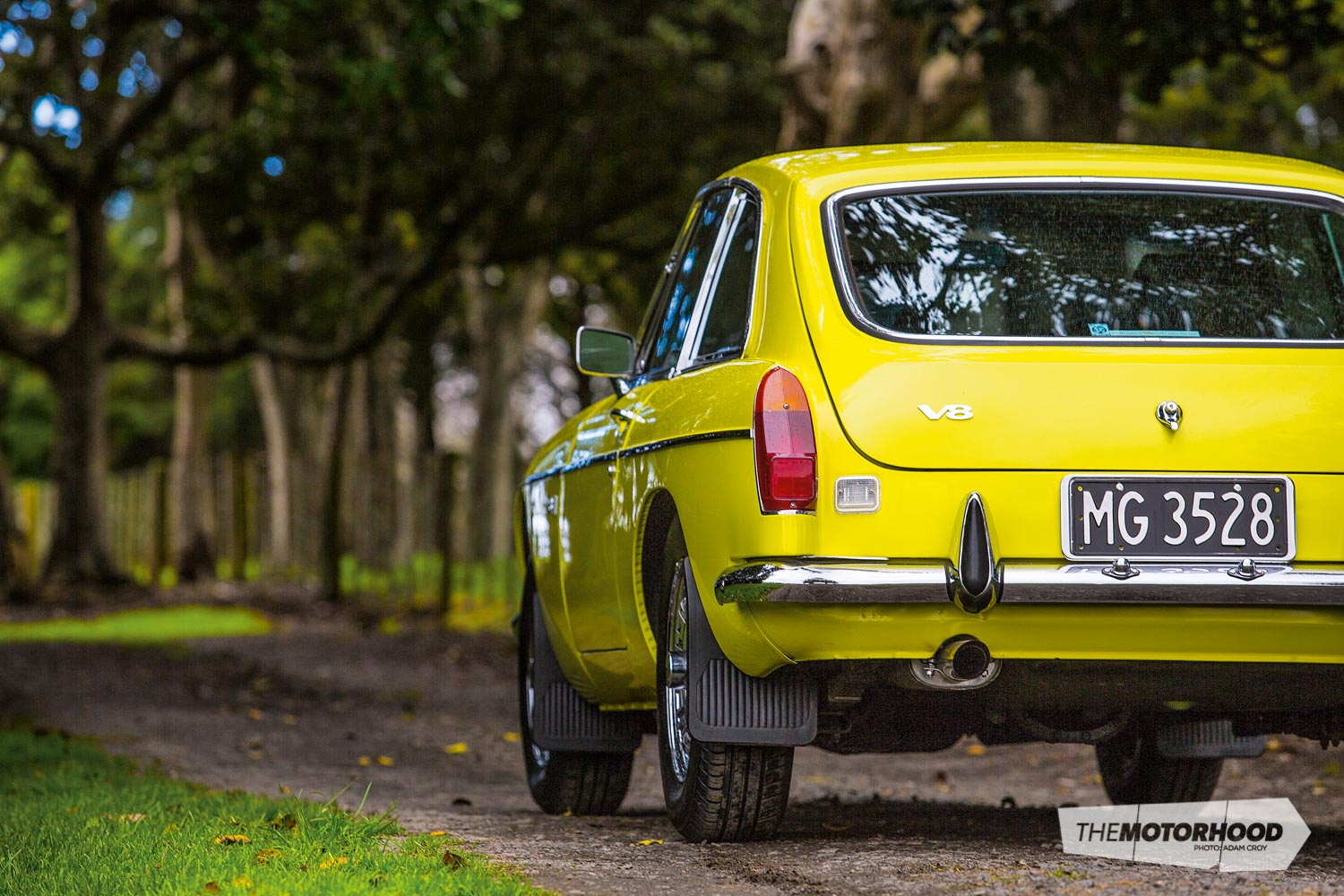 A Rover in the octagon: 1974 MGB GT V8 — The Motorhood