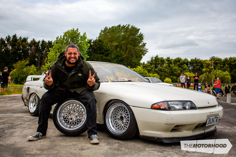 Name: Rolls Royce Car: 1990 Nissan Skyline R32 Wheels: (F)15x8.5 (-8) Hoshino Impul Pro Mesh (R) 15x8.5-inch (16p) Work Equip 02