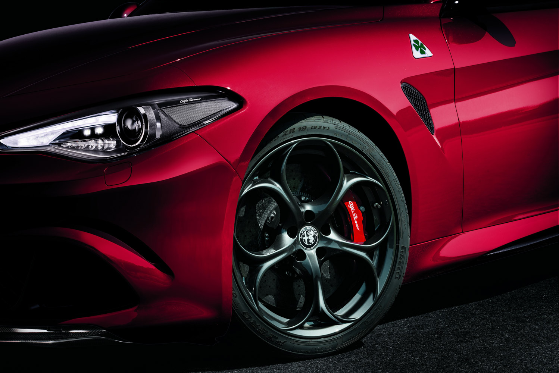 Alfa_Romeo_Giulia_005.jpg