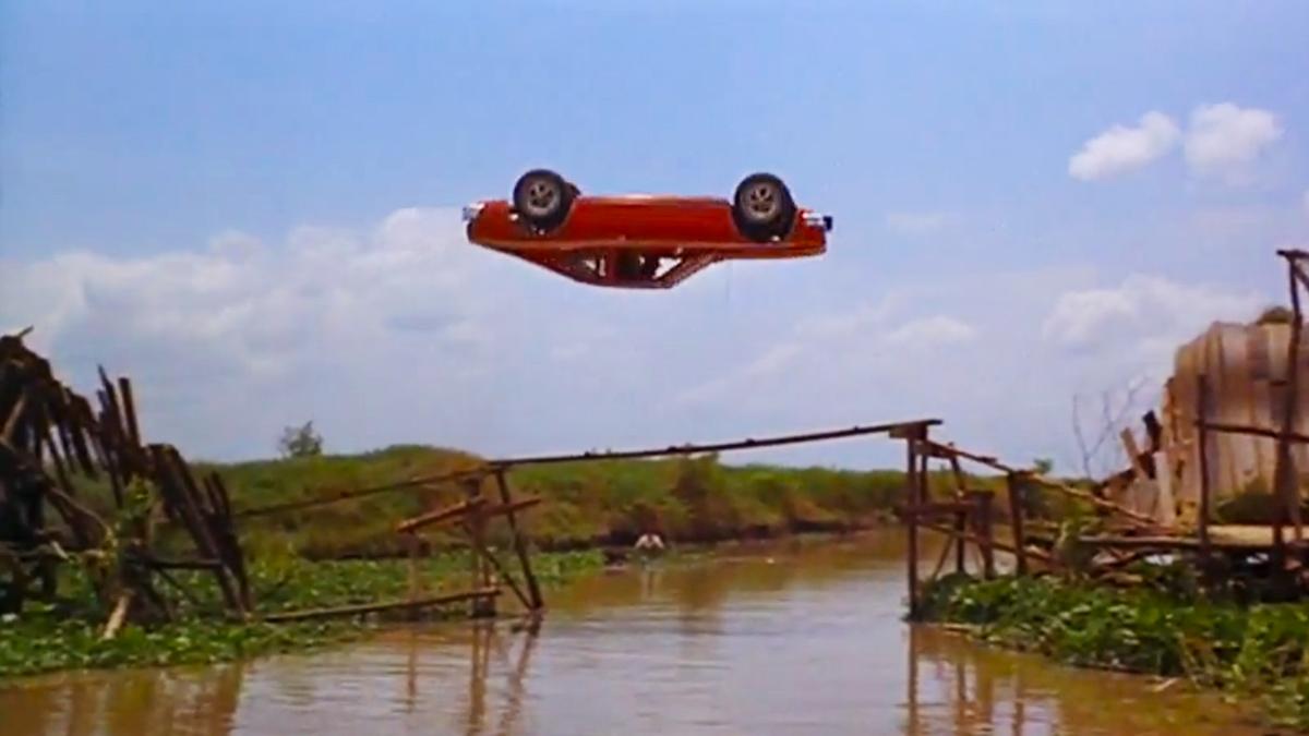 AMC-Hornet-in-The-Man-with-the-Golden-Gun-Car-Jump-Stunt-on-rallyhaus.jpg