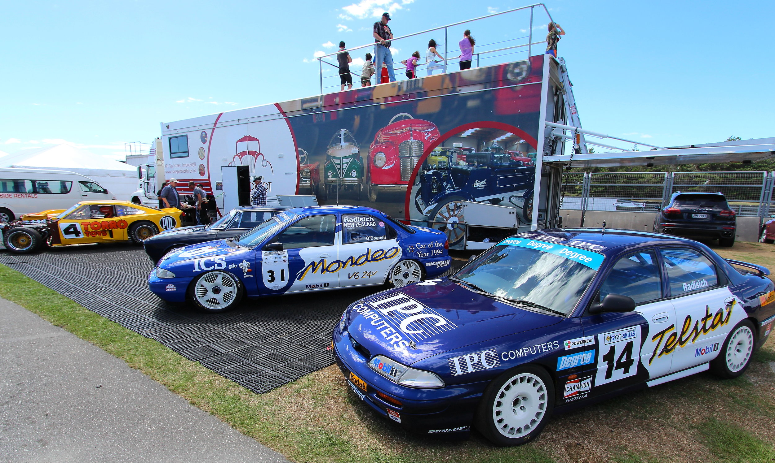 BTCC winners: The epic BTCC championship winning Ford Mondeo of Paul Radisich who drove #31 on Saturday and his former Ford Telstar