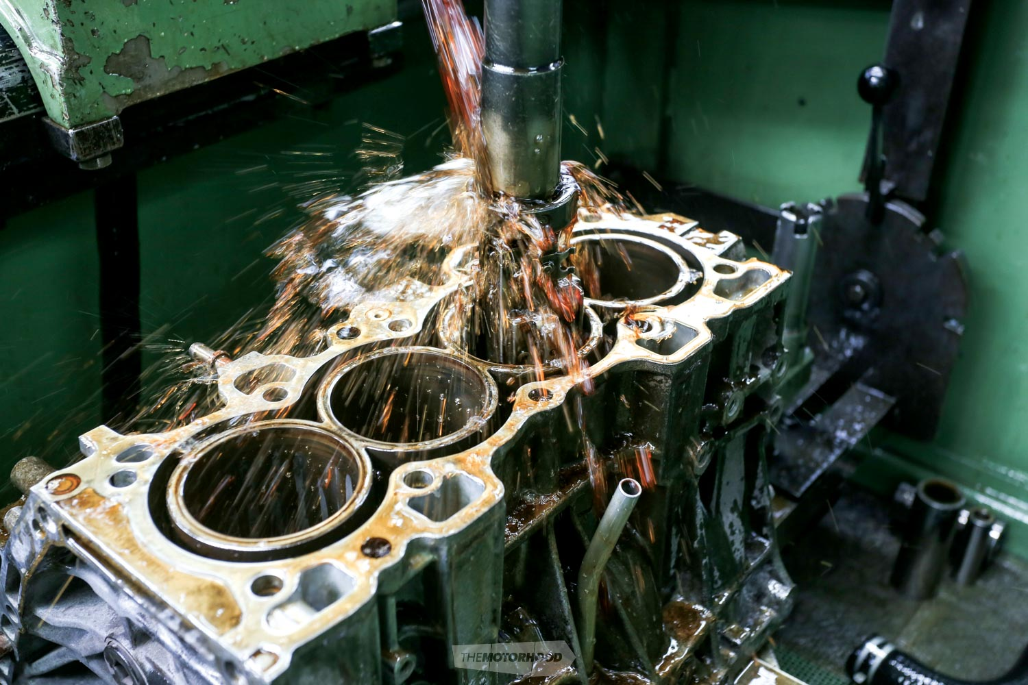 Internal procedure: intricacies of engine rebuilding — The