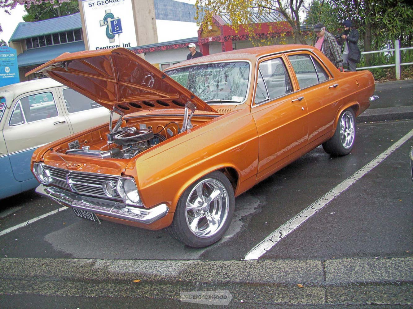 Joe Ryder  from Bethlehem had his golden 1966 HR Holden on display  but I had no other info on it.jpg
