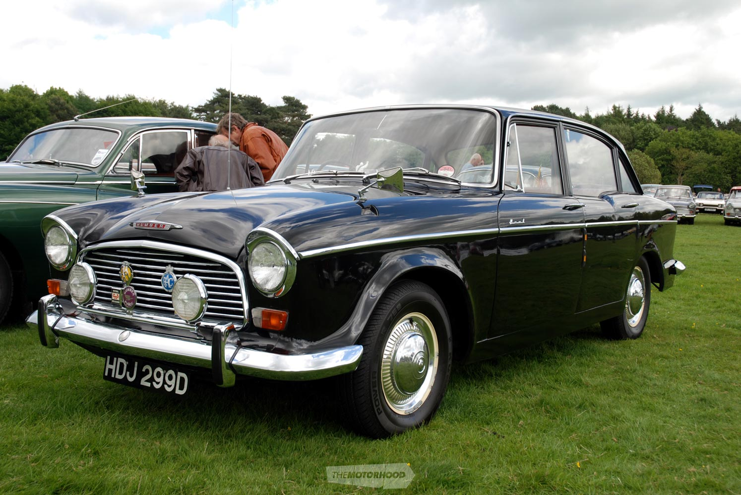 Humber_Hawk_Series IV Saloon).jpg