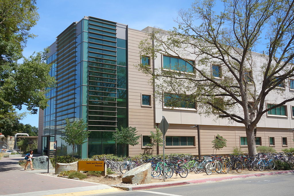 UC Davis Earth and Physical Sciences building by Daderot (own work) [ CC0 ],  via Wikimedia Commons