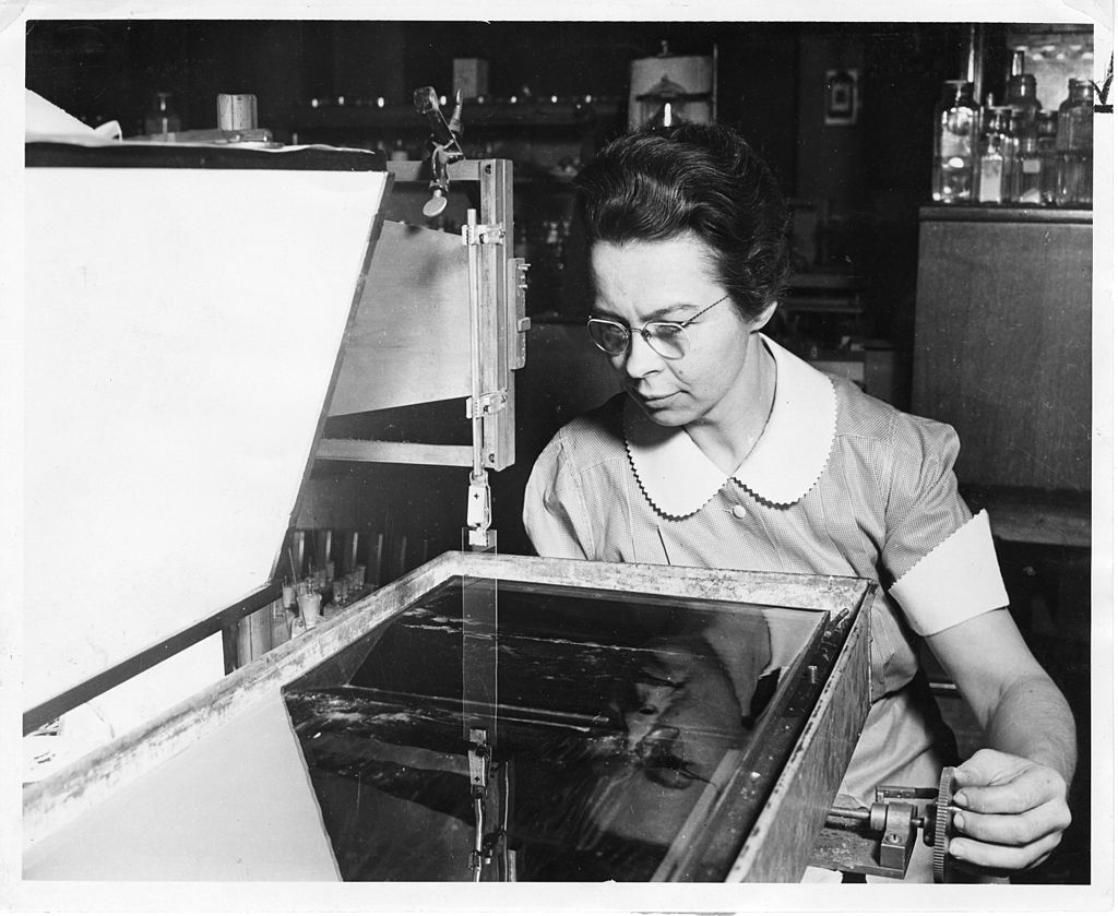 Physicist Katharine Burr Blodgett at General Electric Research Laboratories. She received the American Chemical Society's Garvan Medal in 1951. Photo credit: Smithsonian Institution Archives [ no restrictions ],  via Wikimedia Commons