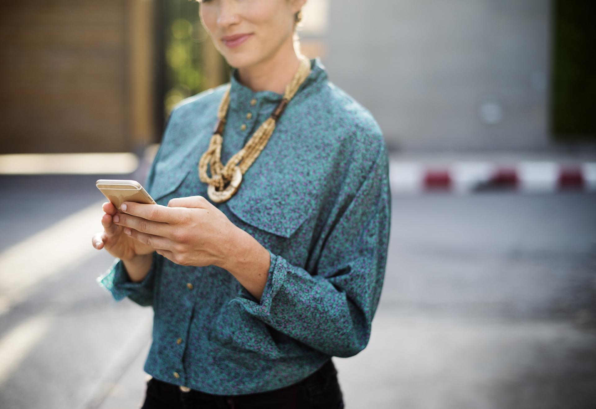 businesswoman-2386254_1920.jpg