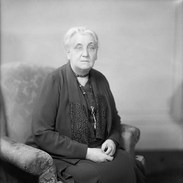 """Jane Addams, known as the """"mother""""of social work,was awarded the Nobel Peace Prize in 1931."""