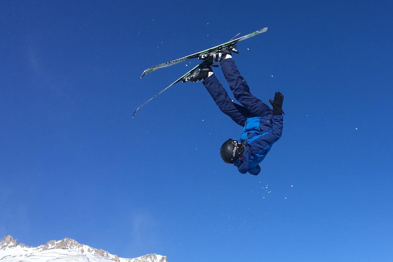 ski-2946716_1280.jpg