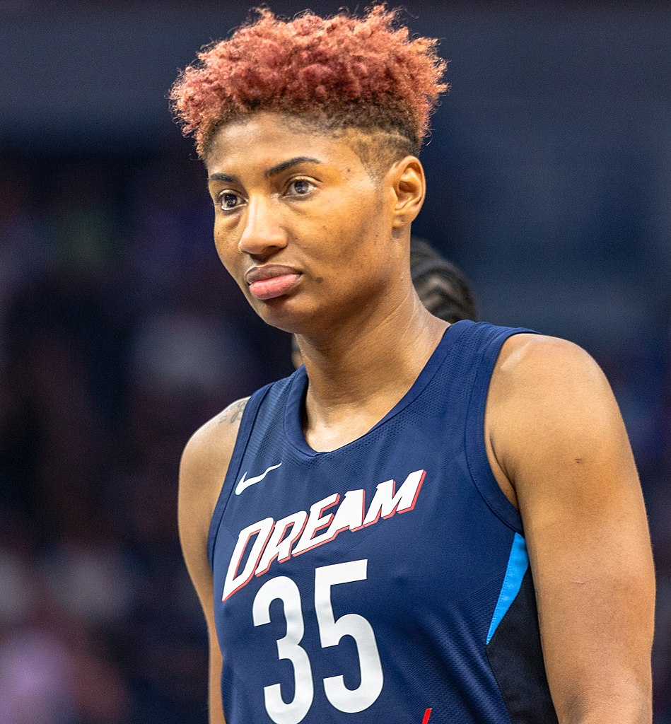 Angel McCoughtry playing in the Atlanta Dream vs Minnesota Lynx game in Minneapolis on August 5, 2018