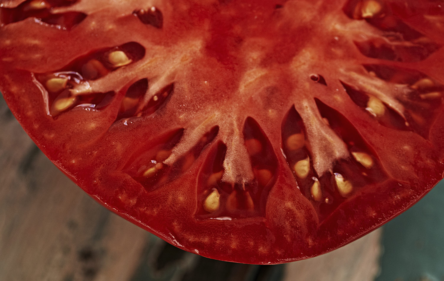 Look at the beauty and colour of this exquisite tomato. Not to mention the seed count. I love this tomato because it is so seedy and juicy and tastes so divine. I cannot tell you how much I miss it when the season ends.