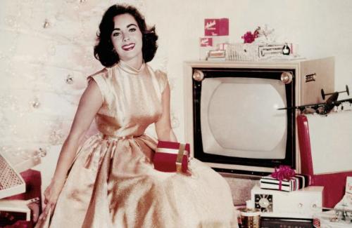 Elizabeth Taylor via  Pinterest